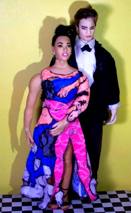 Rob Pattinson FKA Twigs dolls Met Gala 20152015